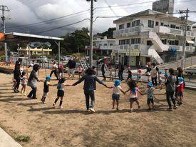 名護市にあるラララ保育園の子供たちの様子